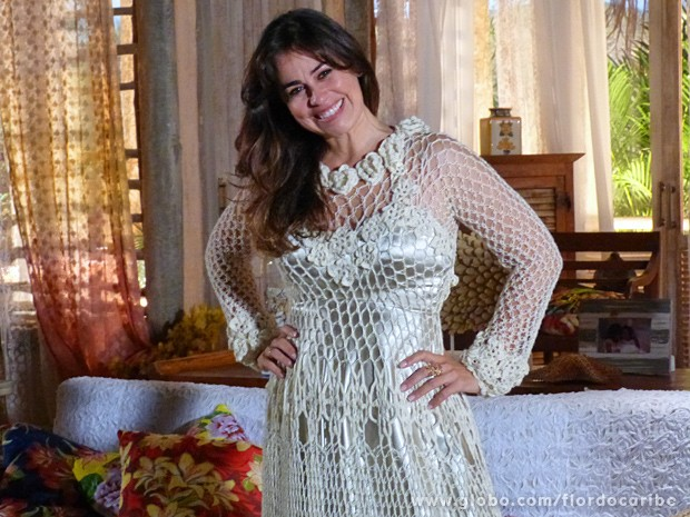 http://helpcasamentos.com/wp-content/uploads/2013/09/vestido-de-noiva-de-crochc3aa-modelo-08.jpg