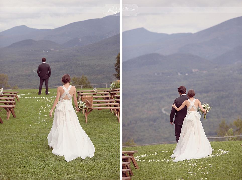 Usa-se muito deixar o noivo de costa para que veja a noiva no momento oportuno (Foto: Divulgação)