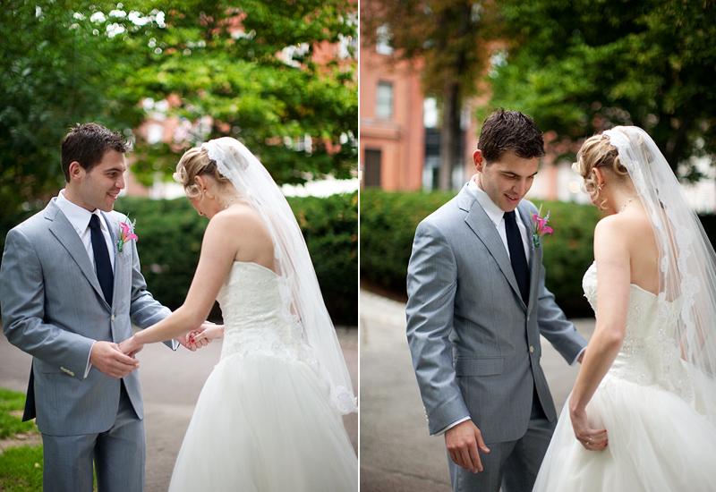Os noivos tendem a se olhar de cima a baixo nesse primeiro olhar (Foto: Divulgação)