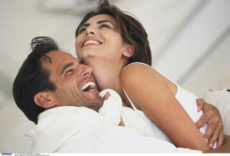 C asais ficam mais felizes no terceiro ano de casamento (Foto: Divulgação)