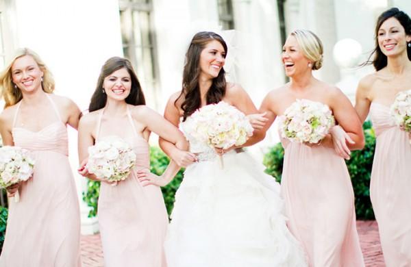 A noiva deve escolher as melhores amigas para serem madrinhas de casamento (Foto: Divulgação)
