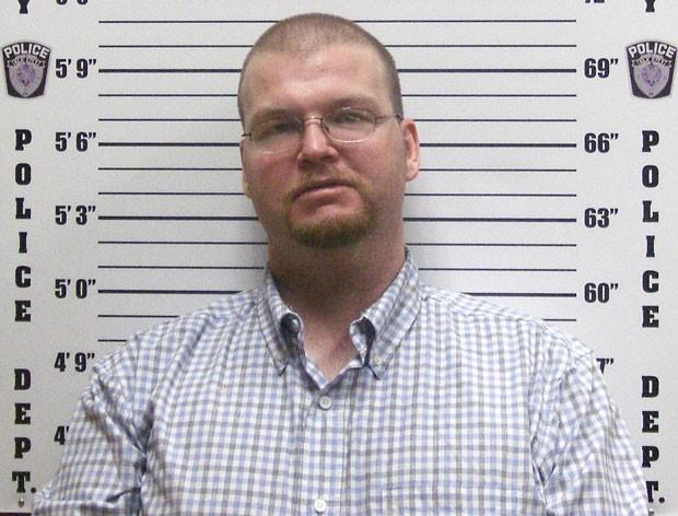 Antes de ser preso americano pediu para fazer pedido de casamento (Foto: Divulgação)