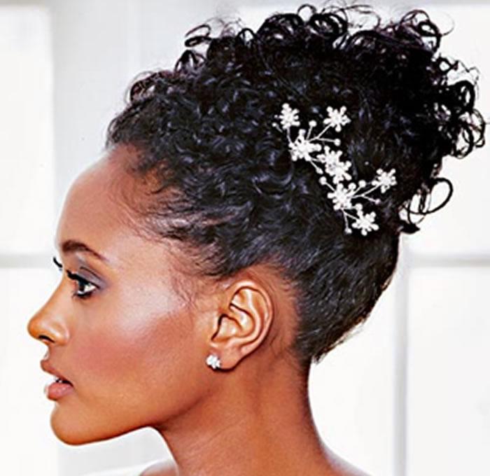 Coque para quem tem cabelo volumoso (foto: Divulgação)