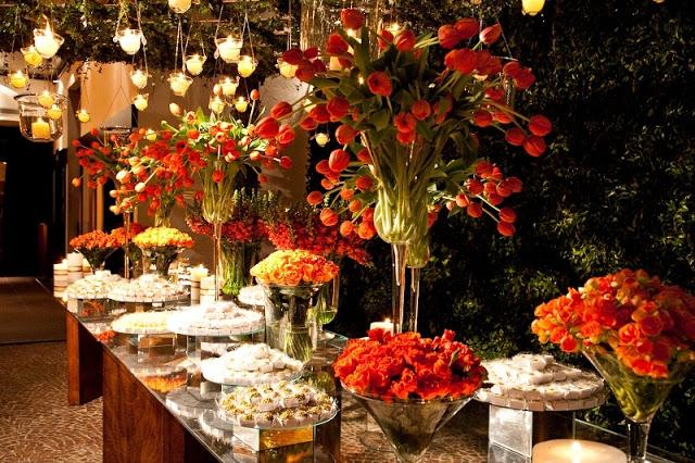 Decoração de casamento vermelho e laranja (Foto: Divulgação)