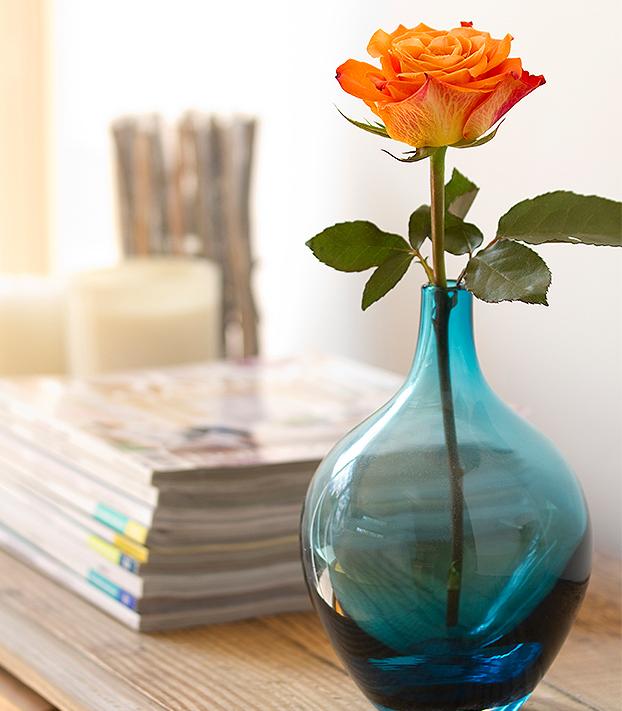 Decoração com laranja e azul (Foto Divulgação)