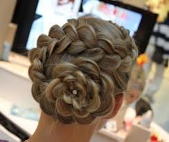 Penteado de casamento com bela trança (Foto: Divulgação)