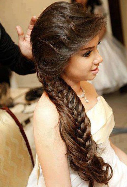 Penteado de casamento com trança lateral (Foto: Divulgação)