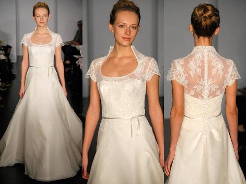 Modelo de vestido de noiva com renda e gola diferente (Foto: Divulgação)