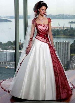 Modelo de vestido de noiva com detalhe vermelho (Foto: Divulgação)