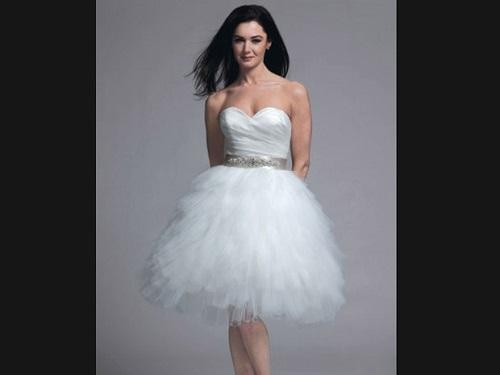 Modelos de vestido de noiva com saia mais armada (Foto: Divulgação)
