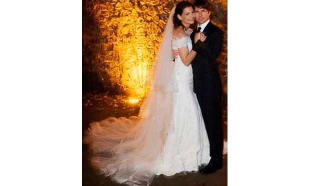 Katie Holmes usou um vestido bem romântico em seu casamento com Tom Cruise (Foto: Divulgação)