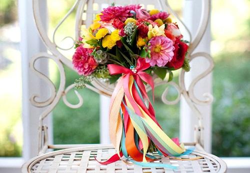 Bouquet de noiva lindo e colorido.