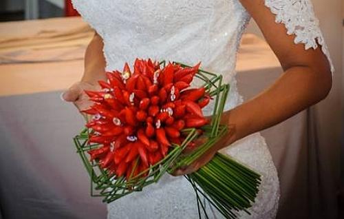 Bouquet de noiva com pimenta .