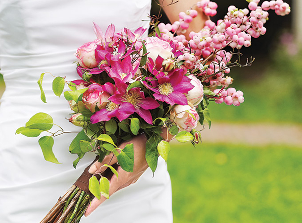 Bouquet de noiva lindo e lateral.
