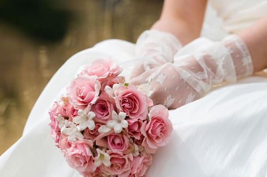 Buquê de noiva bem claro