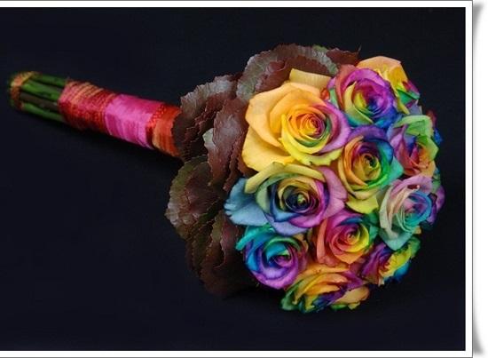 buquê com flores coloridas e lindas