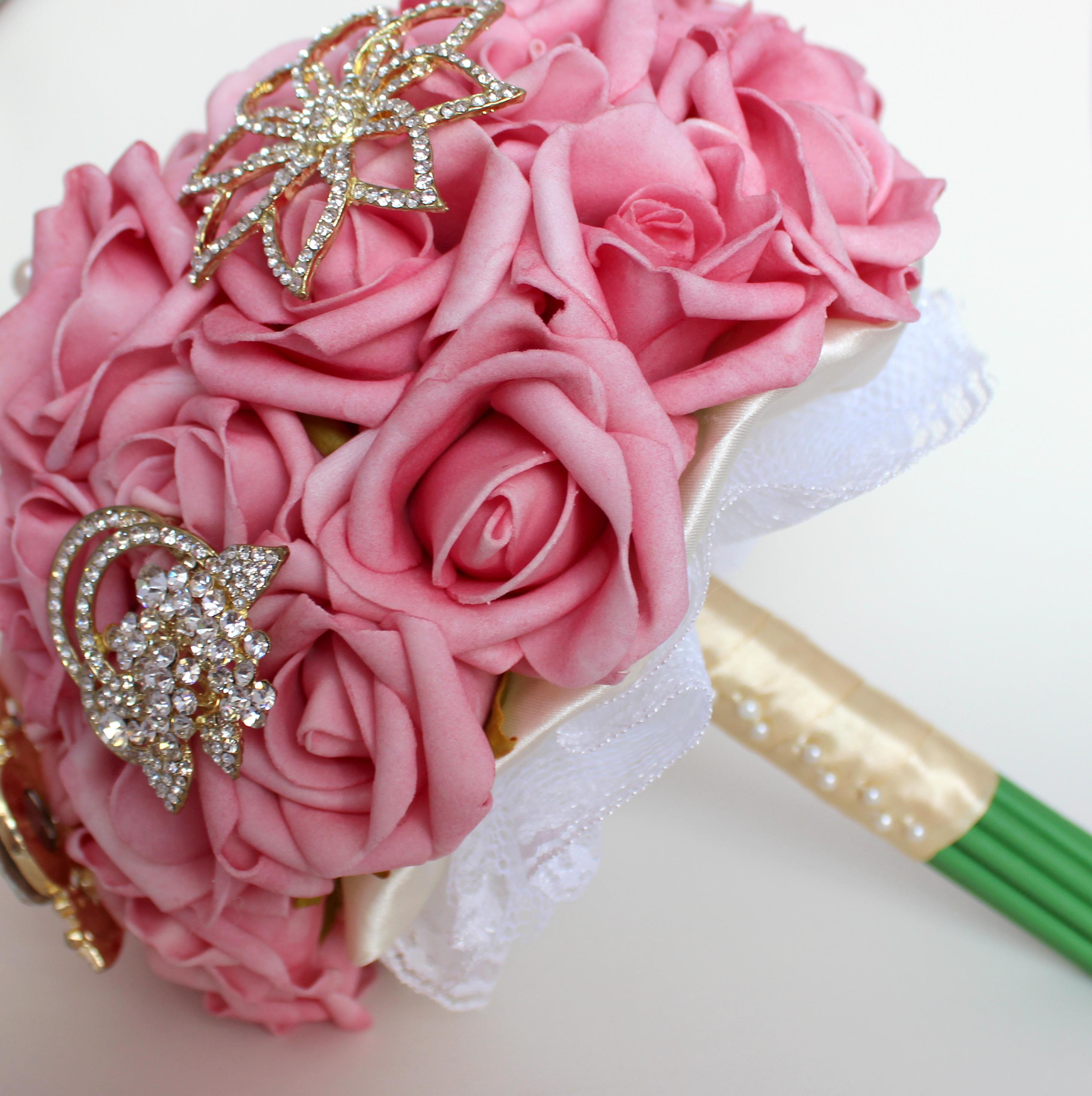 buquê de casamento com rosas