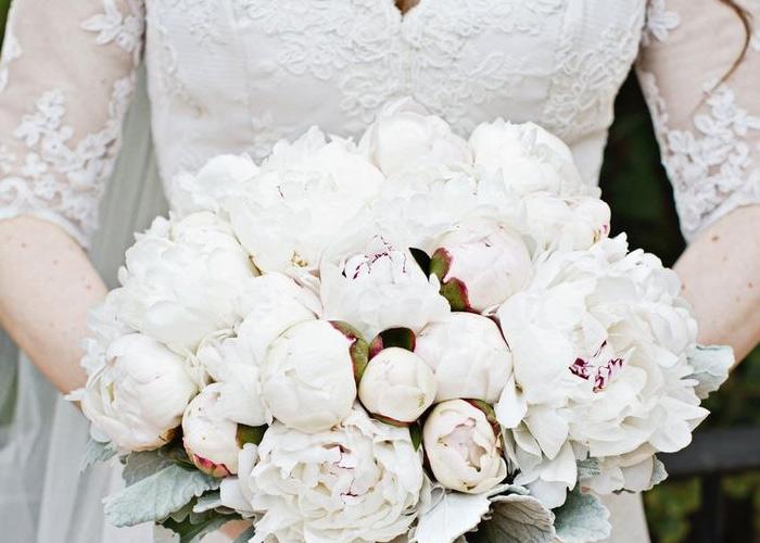 Buquê de casamento de cor forte (Foto: Divulgação)