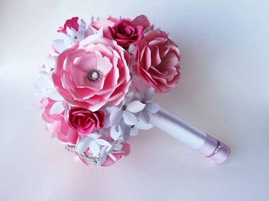 Buquê de noiva rosa de papel