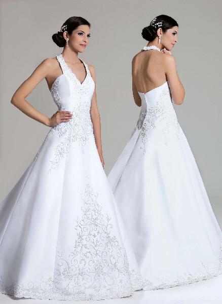 Vestido de noiva frente única com as costas bem pelada.