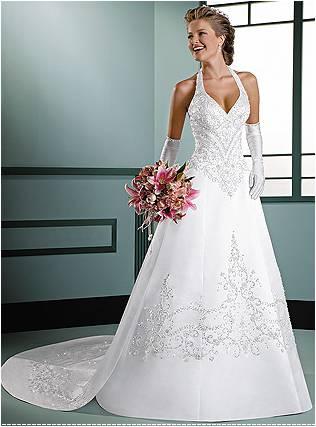 Vestido de noiva frente única com luvas.
