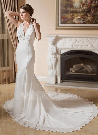Vestido de noiva com decote em V (Foto: Divulgação)
