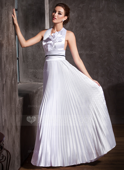 Vestido de casamento com saia diferente (Foto: Divulgação)