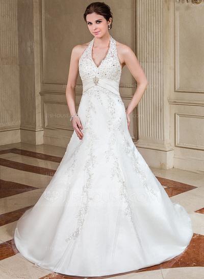 Vestido de casamento com brilho.
