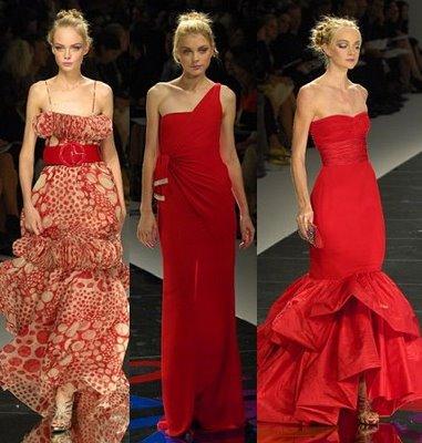 Vestido de festa vermelho com estampa e com uma alça só.