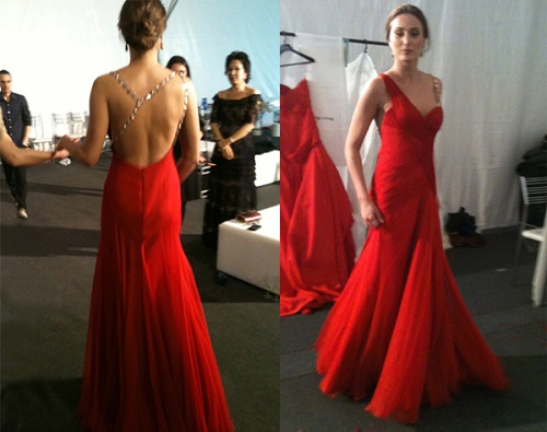 Vestidos de festa vermelho com decote nas costas.