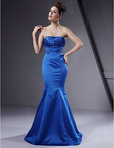 Vestido de casamento azul sereia e tomara que caia.