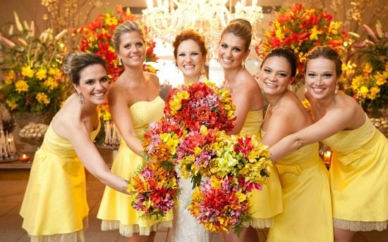Vestido de casamento amarelo curto de madrinhas