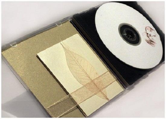 Modelo de convite de casamento em forma de CD