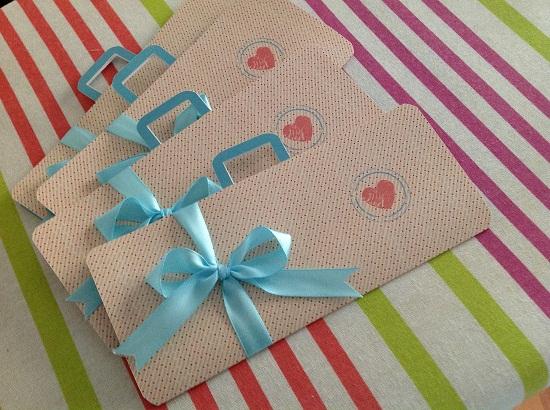 Convite de casamento com lacinho azul