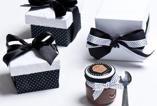 Convite de casamento com doce