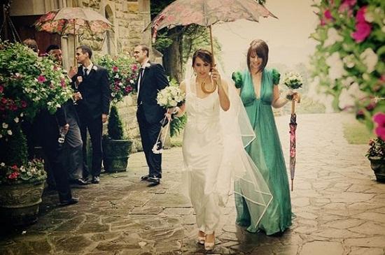 Casamento com chuva.