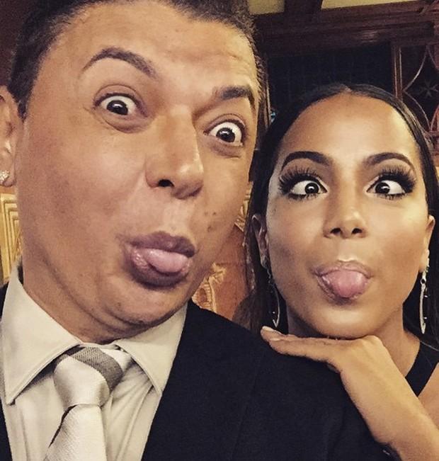 Anitta e David Brazil em casamento de Thiaguinho e Fer Souza