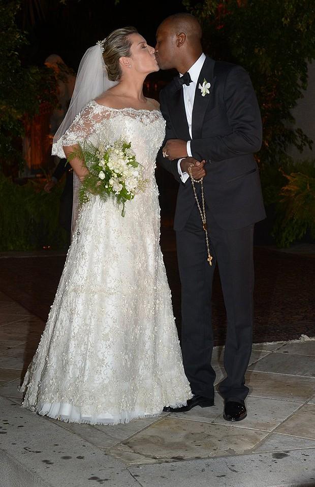Primeiras imagens divulgadas do casamento de Thiaguinho e Fernanda Souza (Foto: Divulgação)
