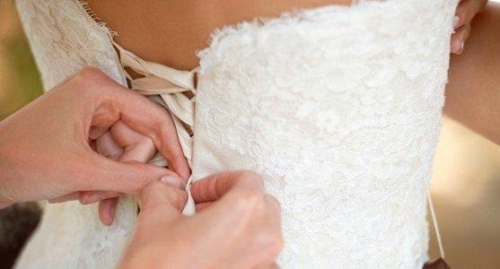 Não passe apuros com o vestido de noiva apertado (Foto: Ilustração)