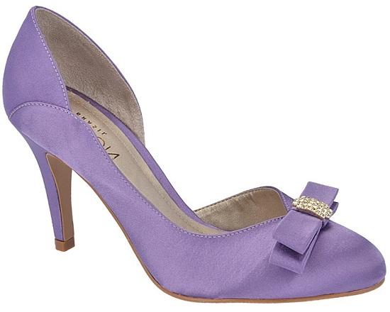 Sapatos coloridos estão em alta entre as noivas (Foto: deLira Noiva - Sapato e Acessório)
