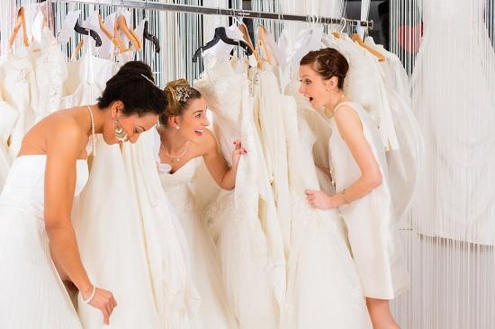 Aposte na compra online de um vestido de noiva