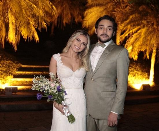 Eduardo Sterblitch se casa com Louise D'Tuani