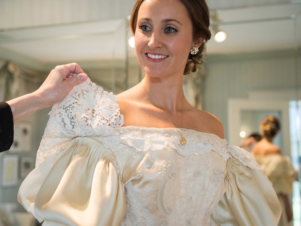Vestido de noiva com mais de 120 anos terá 11ª noiva a usá-lo