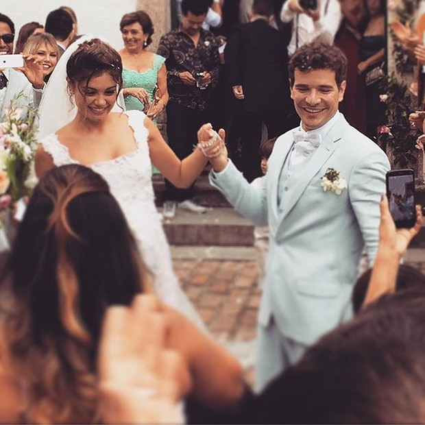 Sophie Charlotte e Daniel de Oliveira se casam no Rio de Janeiro